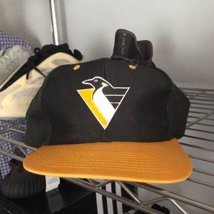Vintage Pittsburgh Penguins Snapback